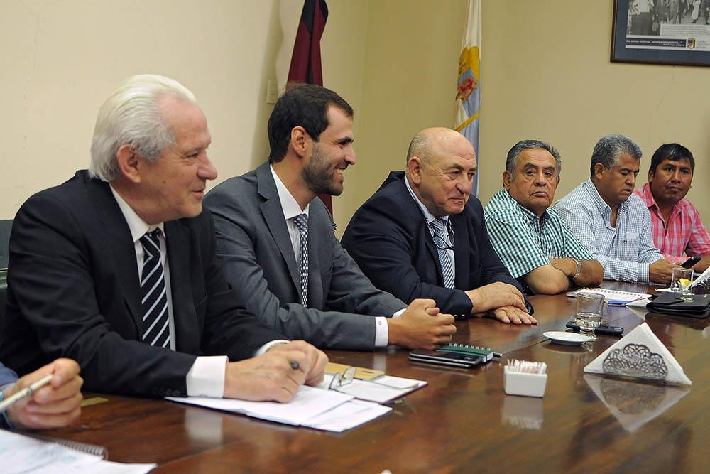 El ministro Estrada se reunió con la Comisión de Hacienda del Senado provincial
