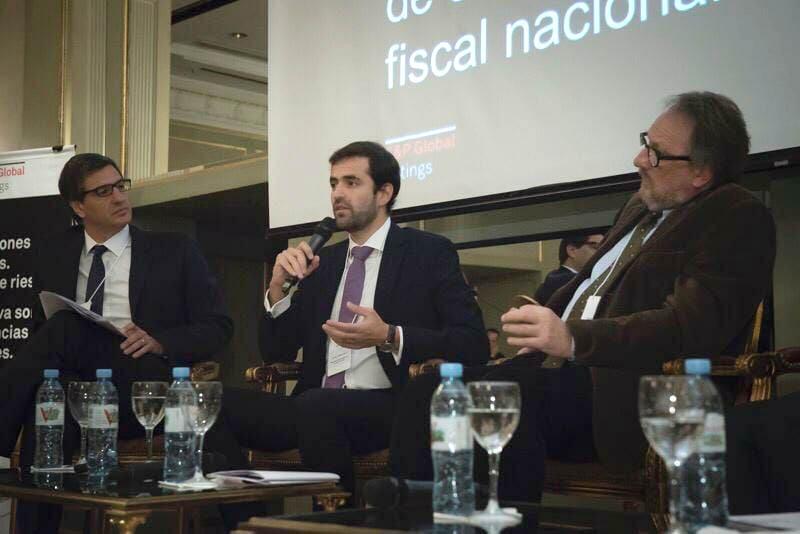 El ministro Estrada habló con inversores sobre la proyección financiera de la provincia