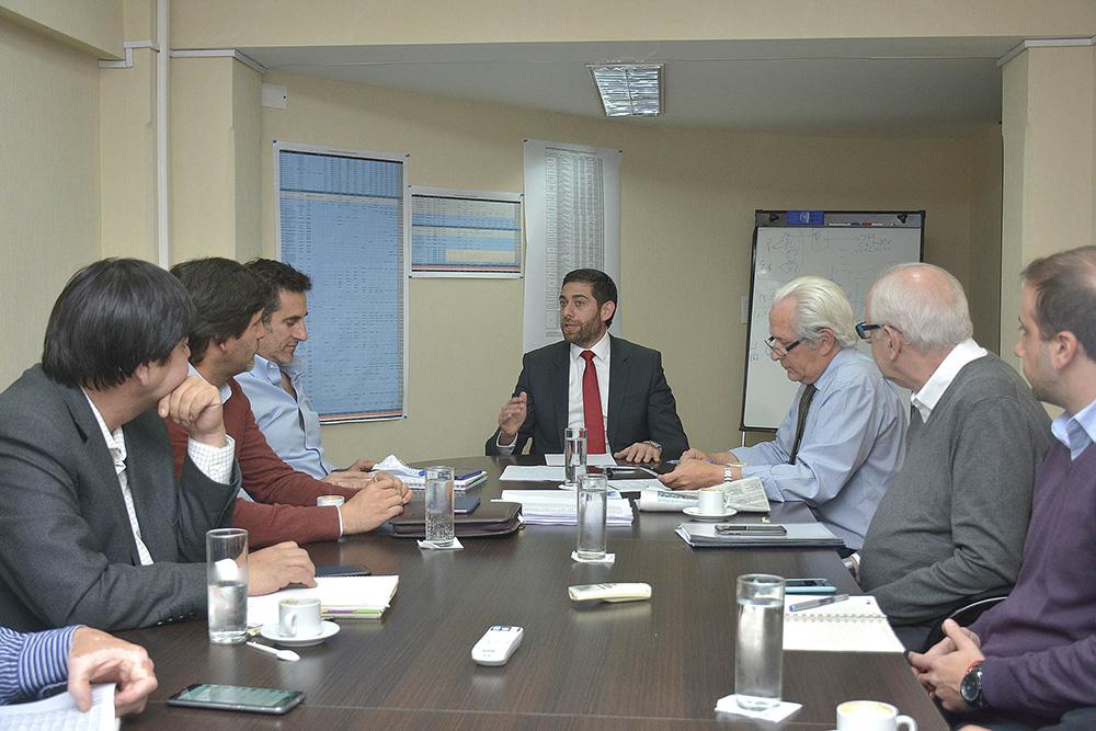 El Ministro Javier Montero se reunió con el equipo de trabajo de Economía