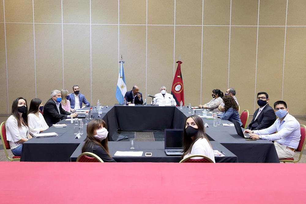 Atender la pandemia COVID-19, la desnutrición y el dengue serán tres prioridades del Gobierno para el Presupuesto 2021