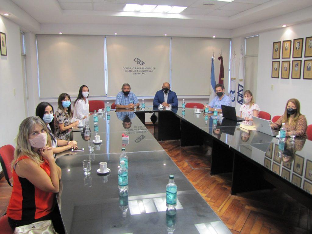 Reunión entre autoridades del Ministerio de Economía y del Consejo Profesional de Ciencias Económicas