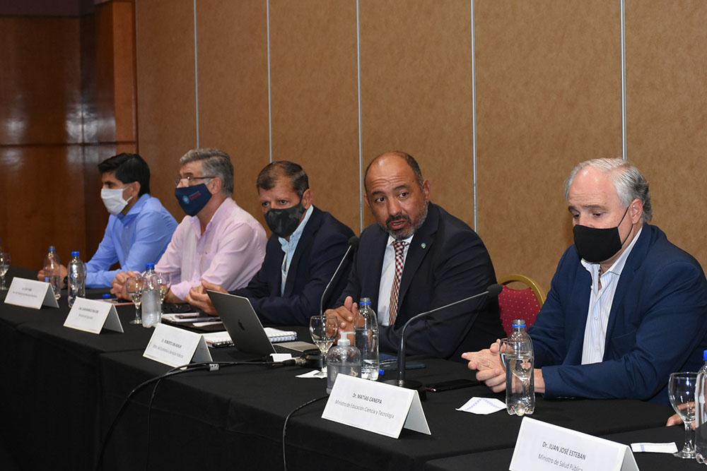 Gobierno y sectores estatales concretaron una mesa general de diálogo