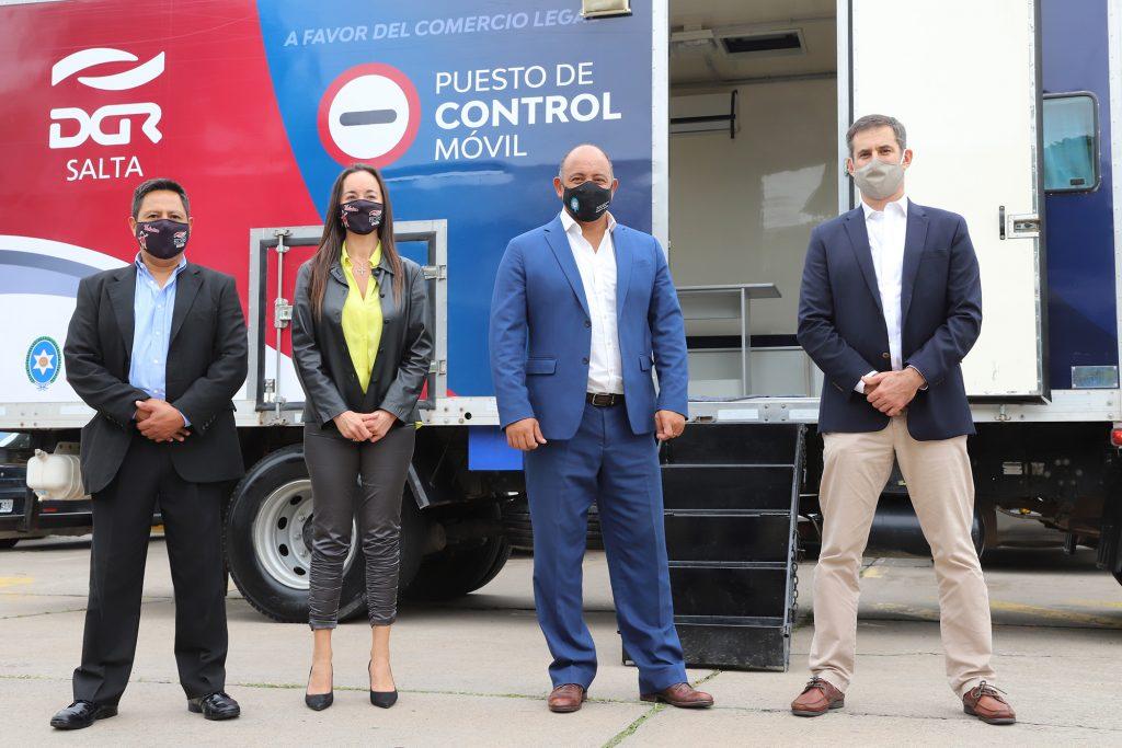 Gobierno presentó un nuevo puesto móvil para el control del comercio ilegal
